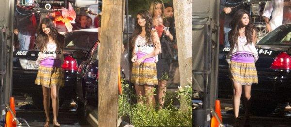 selena sur le tournage + selena  au café + selena faisant du shopping et dans les coulisse d'un concert ...