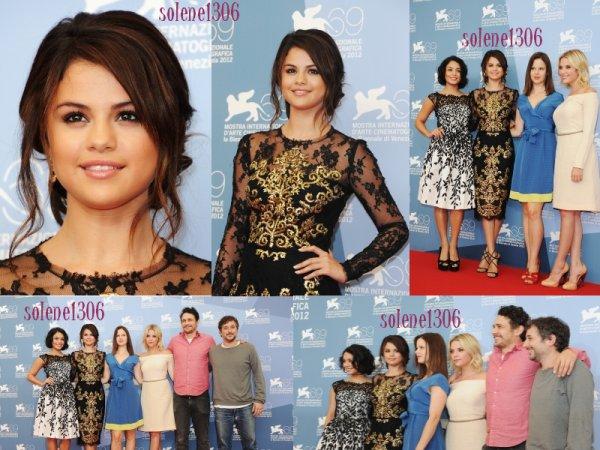 selena arrive a Venise , photocall du film a Venise , la premiere du film , photoshoot et facebook