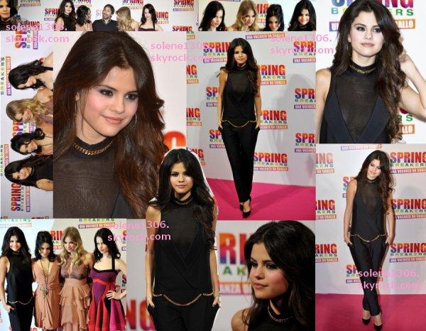 † Selena finit ses avants-premieres pour SB + Arrive a l'aéroport + Adidas