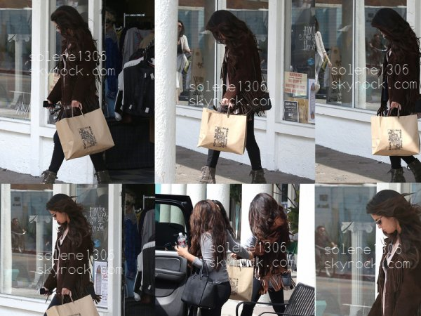 """Selena en seance shopping + SINGLE """"Come & get it"""" + photos'vrac's + Phot perso."""