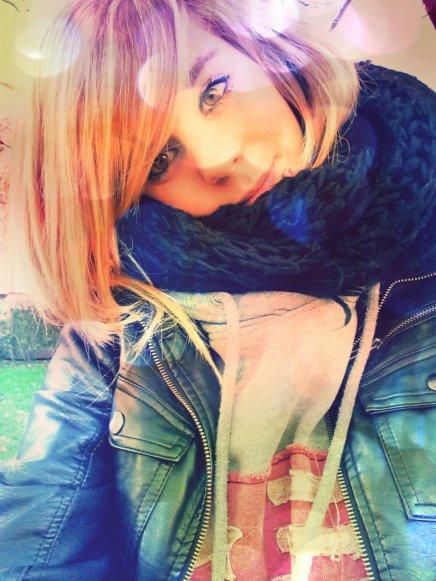 •Parfois il y a des visages qui sont durs à oublier ~ .