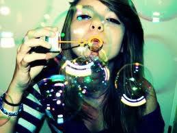 Je fais des  bulles  comme  mon amis Bob L'éponge. <3