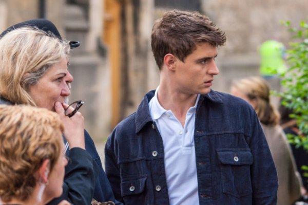 """Max Sur le set de son nouveau film """"Posh"""""""