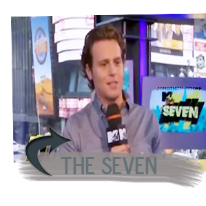 """.Le 17 mai, Jonathan s'est rendu sur les plateaux télé des émissions """"Good Day NY"""" et """"The Seven"""" pour la promo de Glee.."""
