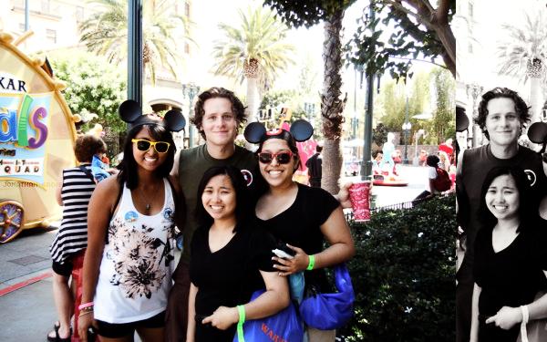 .Fin mai 2011 ~ Jon s'est rendu à Disneyland..+ Jonathan présentera un prix durant la cérémonie du Theatre World Awards 2011, le 7 juin prochain..