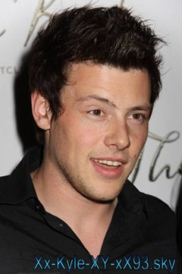 Charlie Tanner (Cory Monteith)