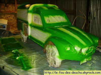 ... 2° couche de peinture verte ...