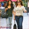 .   ► CANDIDS       Jennifer est allée faire du shopping en compagnie de  Selena Gomez ! Purée, mais c'est quoi cette tenue Jennifer ?! ><' UN VRAI FLOP POUR MA PART. Et vous ?