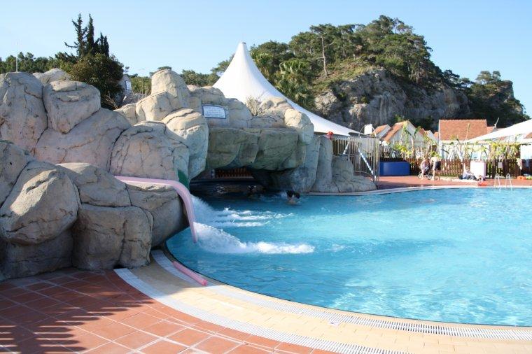 Episode 7: Sortie à la piscine  Partie 1