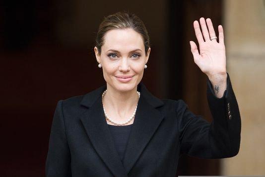 Angelina Jolie révèle avoir subi une double mastectomie