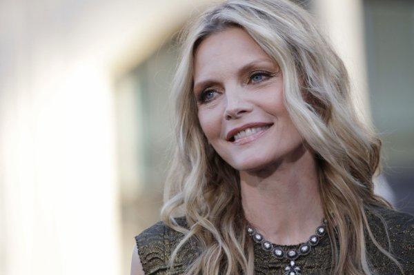 Michelle Pfeiffer a fait une étonnante révélation dimanche: elle a fait partie d'une secte avant de devenir célèbre.