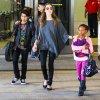 Angelina Jolie et sa famille amusent Disney