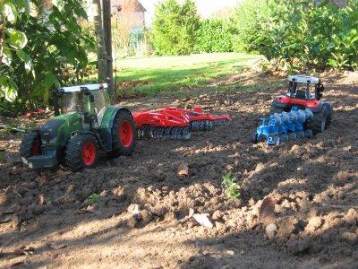 préparation de la parcelle pour les semis.