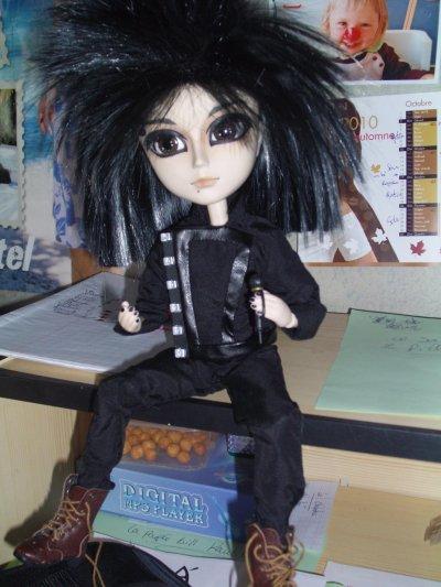 Ou vous pouvez vous proccurée une poupée Bill ou Tom ou d'autres articte Voici les lien (Mini Bill)