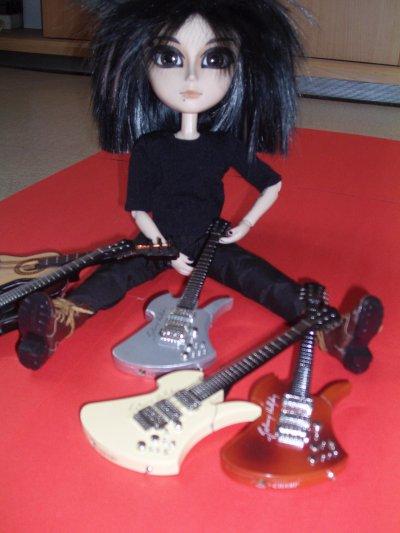 Mini Bill avec les guitare de Mini Tom =)