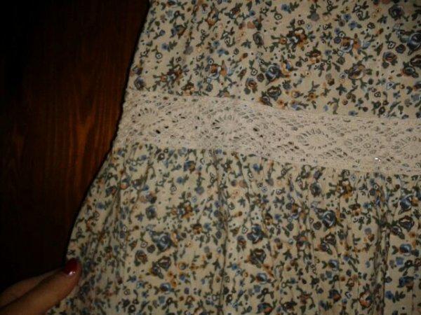 robe h&m fleurie avec de la dentelle taille M collection garden