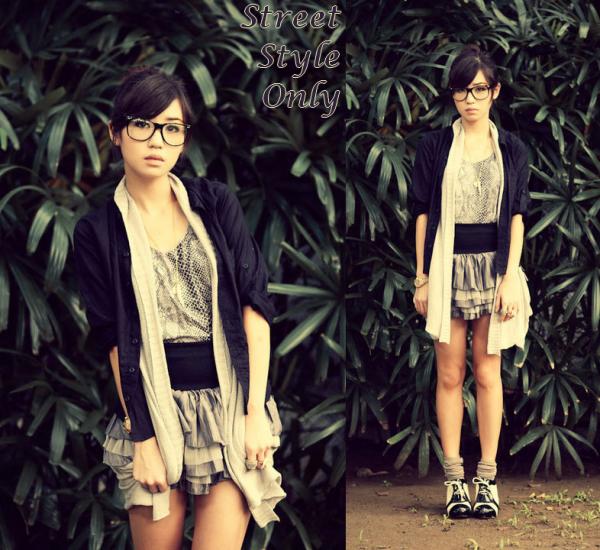 -__ __ __ Tenue # 135 ~ Kryz U., 20 year old girl from Cebu.