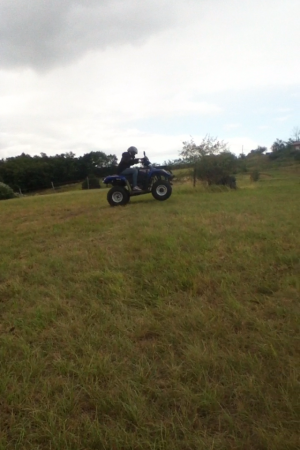 Quad! Quand je l'ai eu jetait comment dire.... completement.... INCONTROLABLE !!!!!!! :P