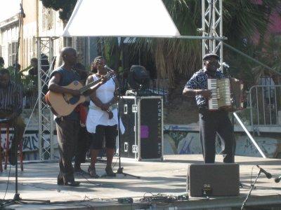 Africa graffits en tournée en France du 28 au 28 octobre 2010 pour l'operation les 10 ans du festival Retour au Mbongui