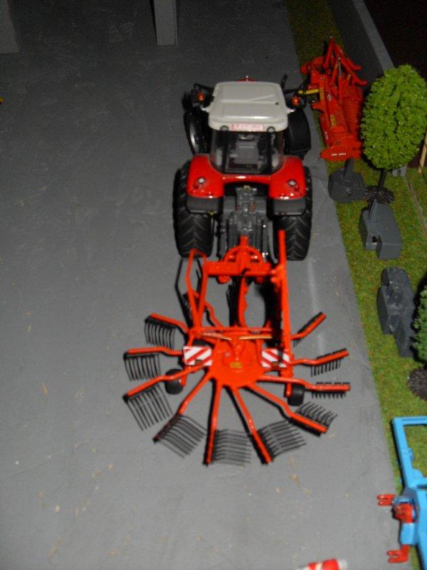 Mf 7499 & Kuhn GA 4521 GM