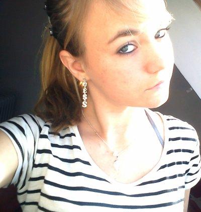 &&.` > Pauline  ,  16 ans ,   Célibataire  ,  Vitré (35)