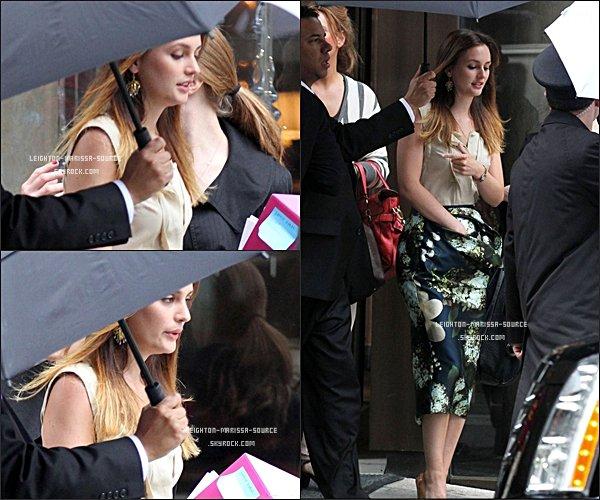 . 28 AVRIL 2011 : Leighton s'est rendu avec Vera Wang à L'empire State Building, Sa tenue est BOF .  .