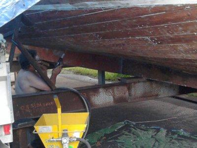 rendre un bateau en bois plus beau.....