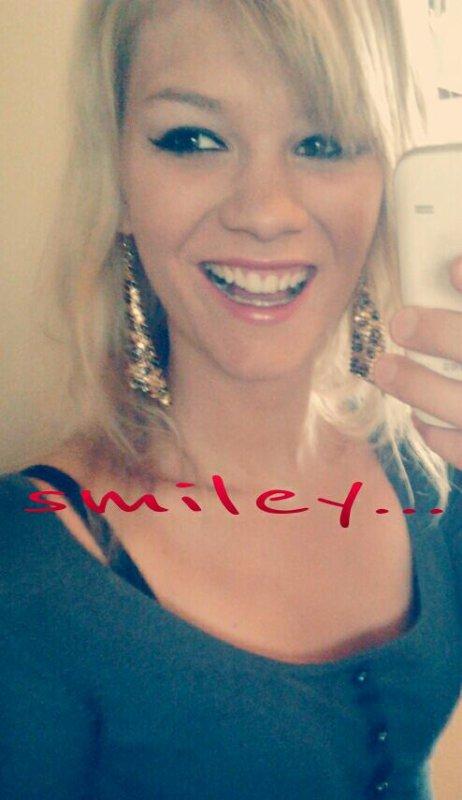 """""""Un sourire est une clef secrète qui ouvre bien des c½urs."""""""