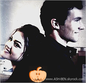 AVIS SUR CET EPISODE SPÉCIAL HALLOWEEN! . J'ai bien aimé cet épisode spécial Halloween! On connait un peu plus Alison. C'était génial j'ai vraiment adorée, et alors nous avons pu voir que Alison était aussi ''traquée'' par A! Par contre je ne comprend pas du tout pourquoi Ezra était dans cet épisode mais après mûre réflexion, j'ai enfin compris pourquoi Ezra était dans cet épisode spécial! Si vous voulez savoir, a mon avis, c'est parce qu'il étudiait à ce moment-là à Hollis :). Pour terminer, c'était un peu bizarre de voir Jenna sans ses lunettes! - Et vous avez vu cet épisode spécial Halloween ? Qu'en pensez-vous ? :).