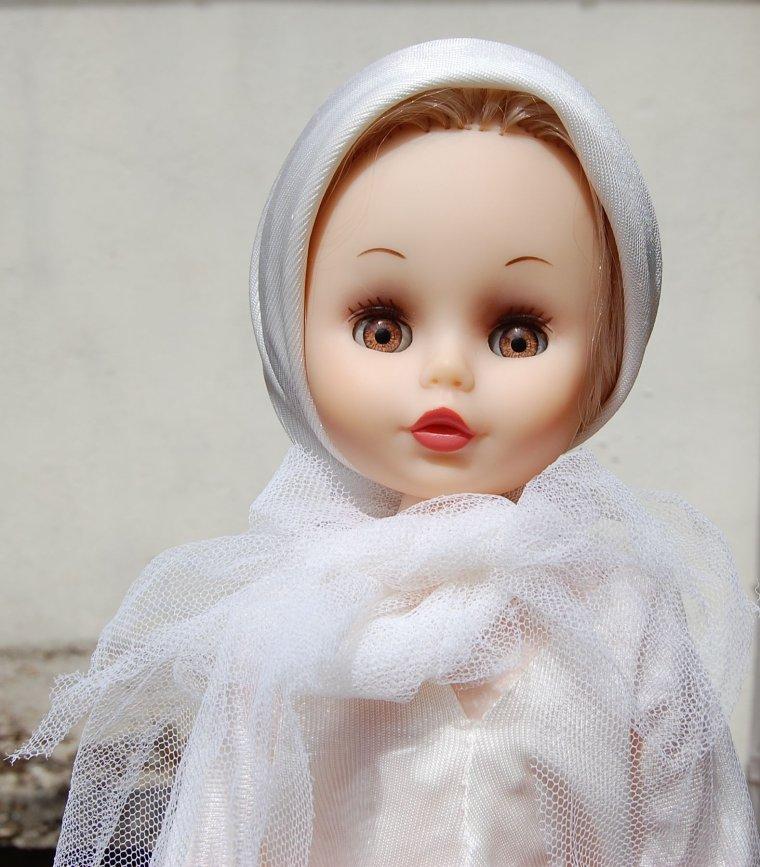 la voici, la voilà : Véronique / Effe Franca en version mariée par Pierre Cardin