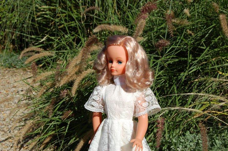 cathie en robe de mariée 1979