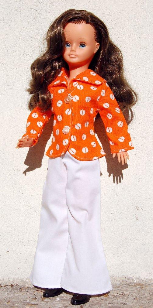 cathie avec sa dernière tenue : rose 1973