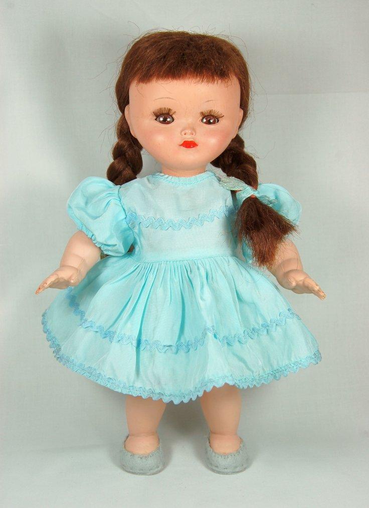 le roux chez les poupées, on passe à un peu plus grand.