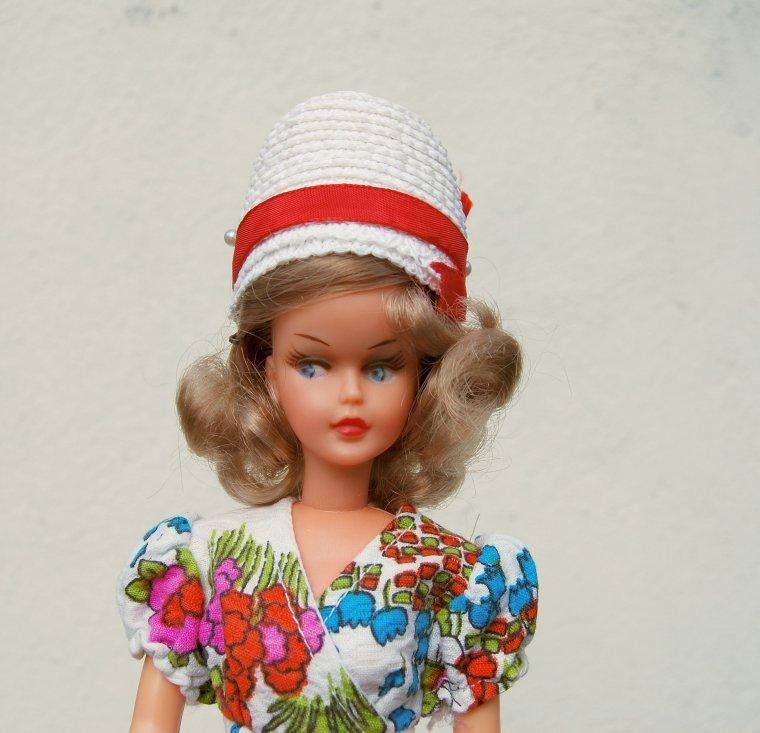tressy de bella en tenue edmée de 1974 : je lui tire mon chapeau