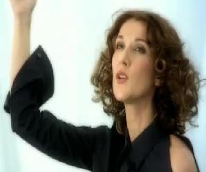 """Le 9 août 2001, Céline Dion & Garou tournent le clip de leur duo """"Sous le vent""""..."""