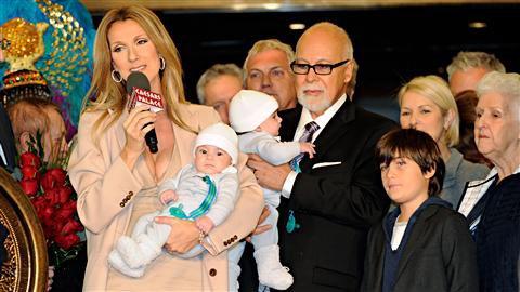 Céline et sa famille sont de retour à Las Vegas le 16 février 2011...