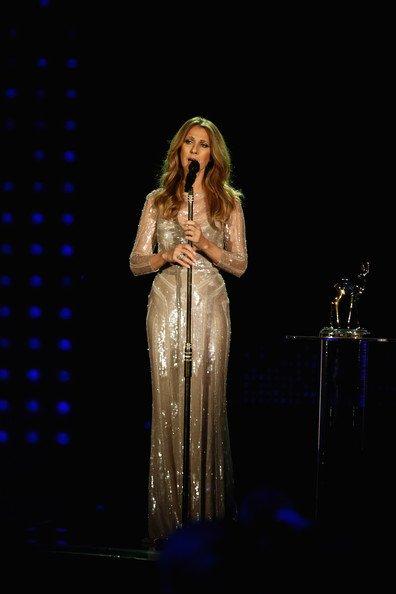 Céline Dion, éclatante : Fière de son Bambi, elle partage son bonheur avec René...