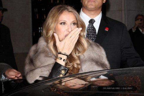Céline Dion à Paris de nuit le 28 novembre 2012
