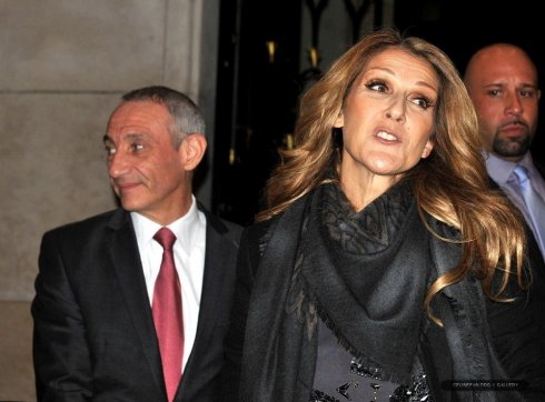 Céline Dion quitte son hôtel parisien le 29 novembre 2012