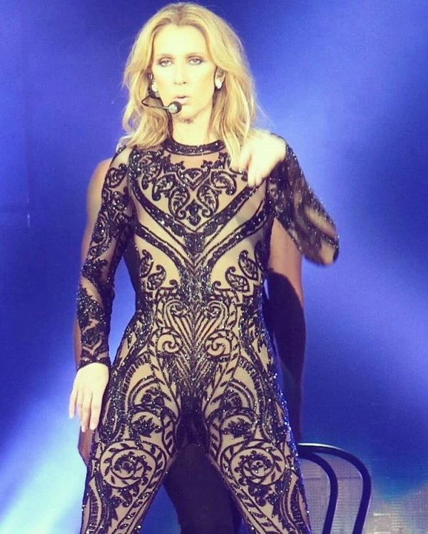 Chorégraphie sexy de Céline Dion et Pepe Munoz: ils ont conçus cette danse très hot ensemble...
