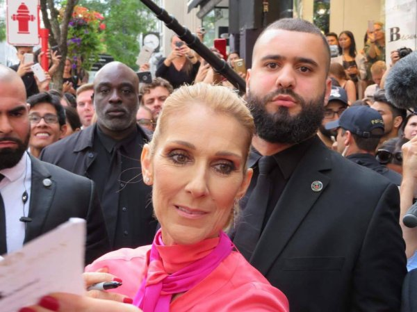 Pourquoi la collection de sacs griffés Céline Dion est-elle rassembleuse ?