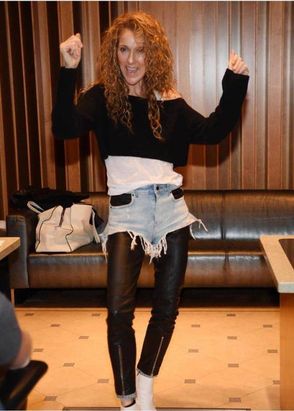 Céline Dion est à nouveau en studio...