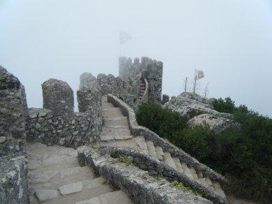 Castelo Dos Mouros (château des Maures) sur la colline de Sintra au nord du portugal