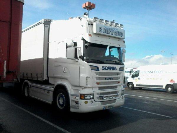 Transports Briffaud vu le 21 mars au  marché de gros merci aux chauffeur pour les photos