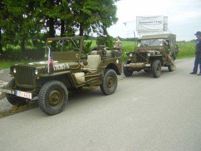 Les jeeps Willys de nos amis Paul et Wilfried. Nos véhicules pour la visite du champ de bataille