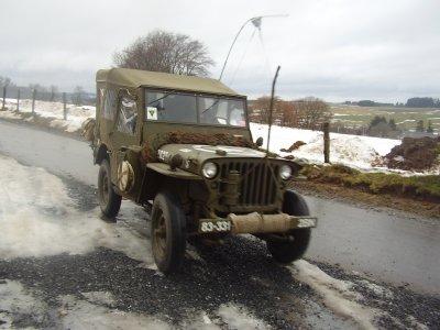 La jeep de Wilfried aux marquages du 331th Rgt - 83rd Infantry Division et sur les routes de Sommerain à Cherain - Direction Brisy