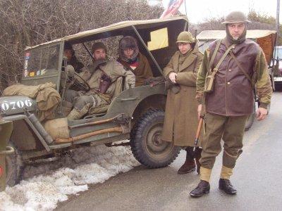 Nos amis de Vielsalm venus avec deux jeeps Willys !