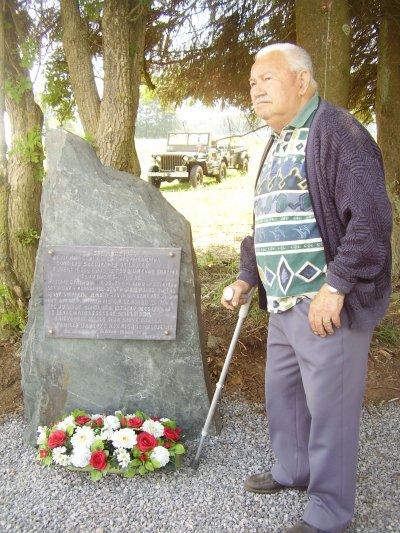"""La stèle réalisée par notre membre de l'association """"83rd Thunderbolt"""" Alix baccus dans une pierre du pays !"""