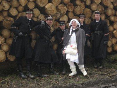 L'équipe des gendarmes belges et leur infirmière