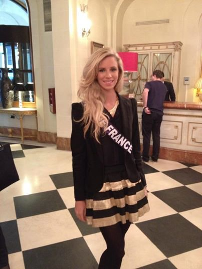 10/11/2014 Départ de Margaux pour l'aventure Miss France !